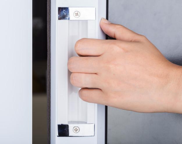 Instalación de las puertas de PVC