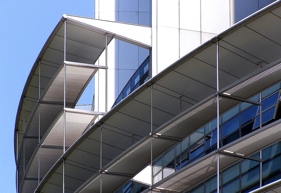 Las ventajas y beneficios del mantenimiento de la carpintería de aluminio